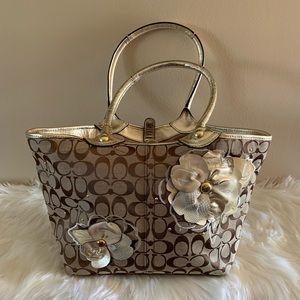 Coach tote / handbag purse